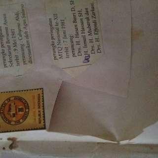 Berbagai macam perangko dari 70's