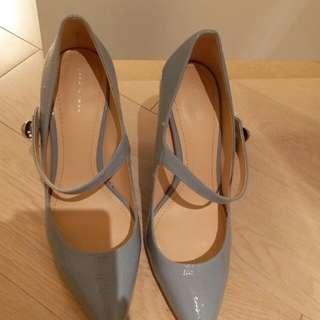 全新粉藍色Zara高踭漆皮鞋