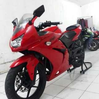 Kawasaki ninja 250 R th 2010 pajak hidup cash/kredit khusus jakarta & tangerang dp 4jt aja