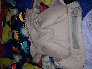 Ergobaby (kw) free droll pad bolak balik lucu