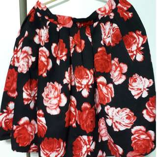 Plus size flared pleated floral skirt