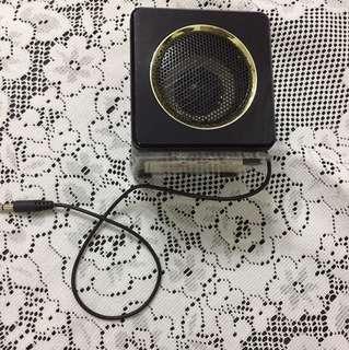Speaker-built in rechargeable
