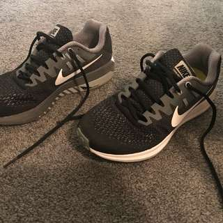 Excellent condition NIKE runners - worn once
