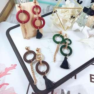 🚚 ✈️韓國木頭圓環不對稱長款流蘇耳針