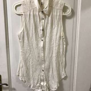 H&M white button down sleeveless tank with lace detail