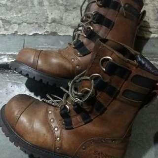 Schoen boots original