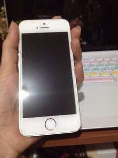 Iphone 5s 64GB warna gold, lengkap no minus, tangan pertama 2 bulan pake