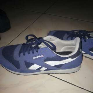 Sepati Reebok