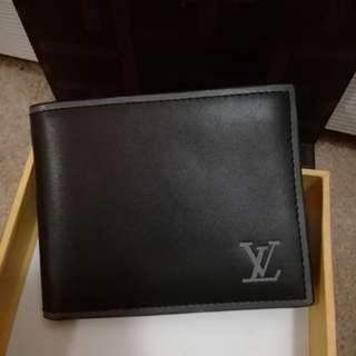 LV,men leather wallet