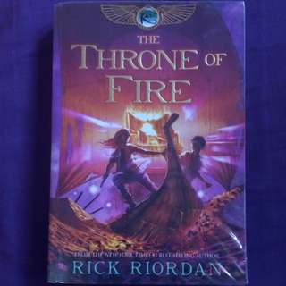 The Throne of Fire by Rick Riordan (The Kane Chronicles #2)