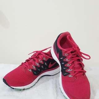 Women's Nike  Vomero 9 Size 6.5