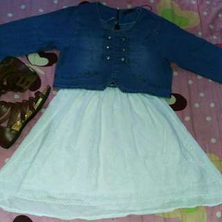 Setelan dress putih + denim