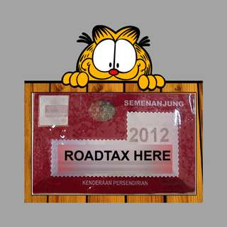 Road Tax Sticker - Garfield Peeking