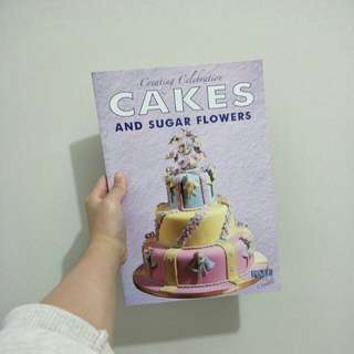 Cake decorating book