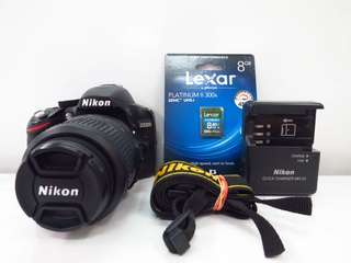 Nikon D3200 with 18-55mm kitlens