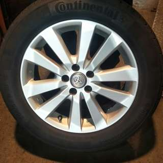 Toyota sport rims with tyres