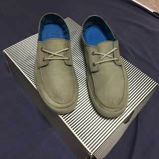 Reef casual sneakers for men size 9