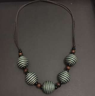 Necklace ball green