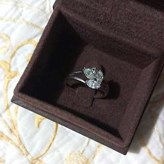 💍Silver Ring with diamond💍