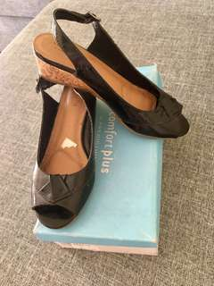 COMFORT PLUS WEDGE SHOES