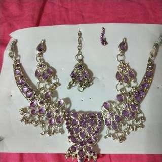 A Set of Indian purple jewlrey