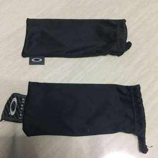 Oakley pouch authentic