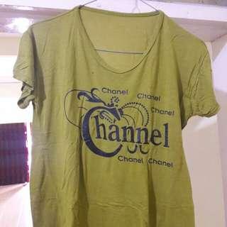 Preloved Kaos Channel Hijau Fit to L Mat Kaos