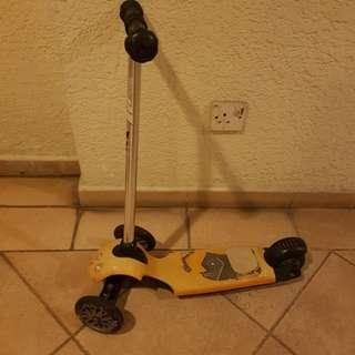 Avigo Scooter
