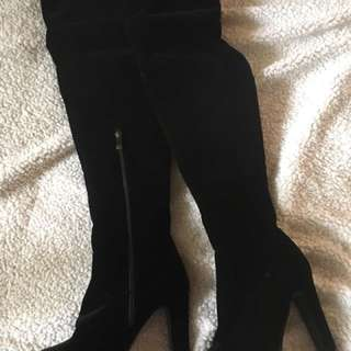BRAND NEW Syrupp Knee-high Suede black high-heel boots