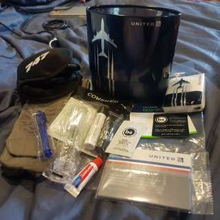 United Airlines Polaris Business Class Boeing 747 Limited Edition Metal Tin Amentity Kit