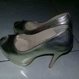 Pump shoes Gold