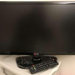 "LG 22"" LCD tv 22MT45D"