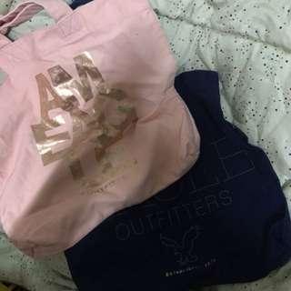 American Eagle tote bags