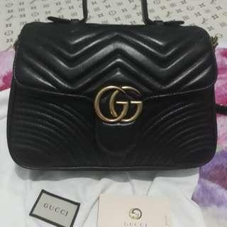 Gucci Marmont Medium in Black