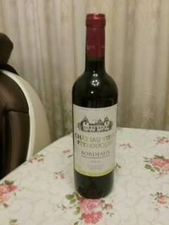 RED WINE BORDEAUX 2011