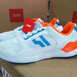 Sepatu sneakers PIERO lite boost III