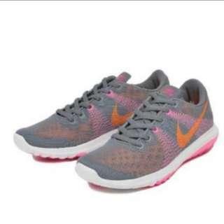 NIKE WMNS NIKE FLEX FURY 705299限定款舒適簡約女運動跑鞋波鞋休閒鞋