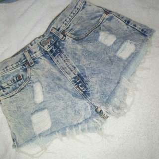 LEVIS 505 denim ripped short