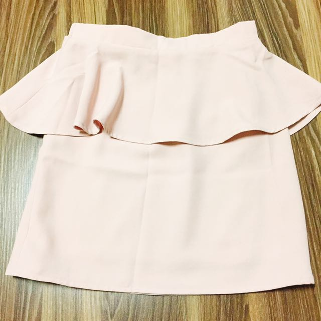 日牌 韓製 專櫃cheek 粉色窄裙 短裙 #新春八折