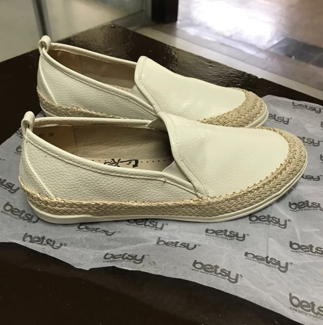 Authentic Betsy Loafers Sneakers