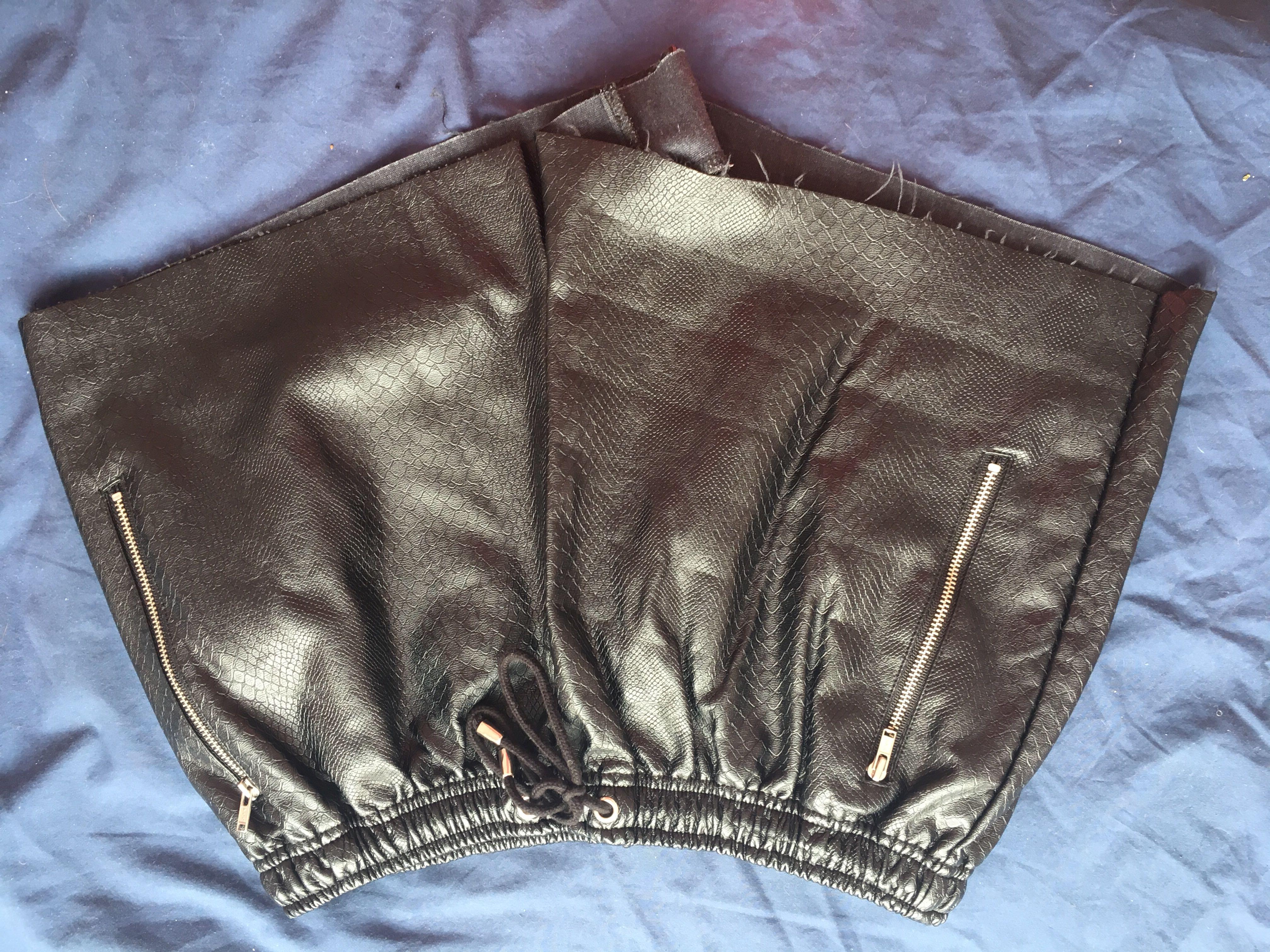Black glassons shorts!