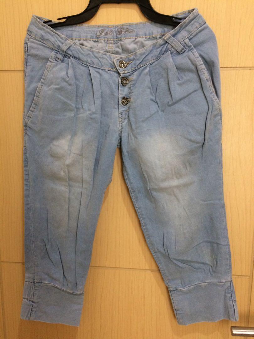celana jeans 3/4 di bawah lutut