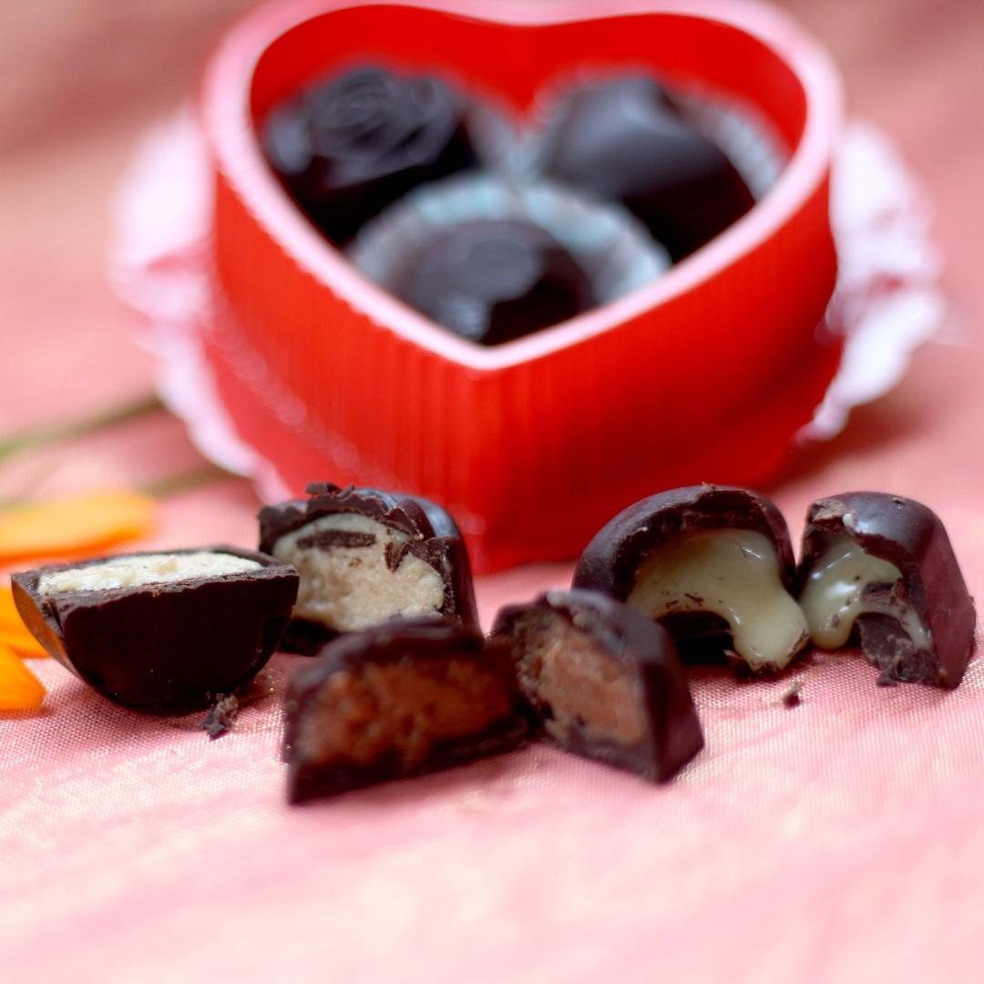 Chocolate Truffles | Dark Chocolate with Hazelnut and Strawberry Ganache Fillings (3pcs per pack)