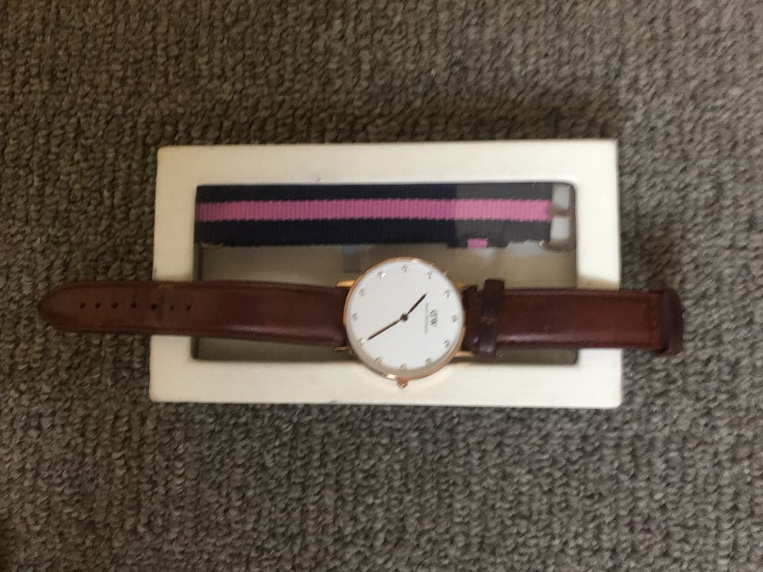 Daniel Wellington watch good Condition diamanté