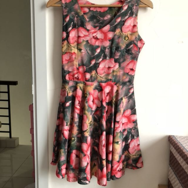 Dress flowers bunga