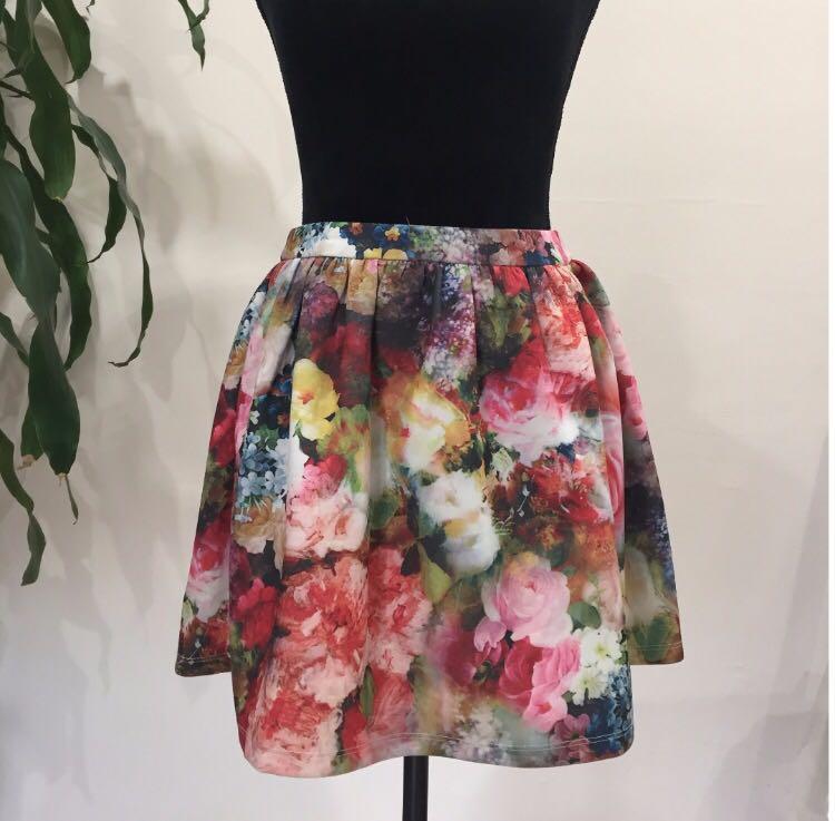 Floral Print Mini Skirt - Size 10 - Brand New