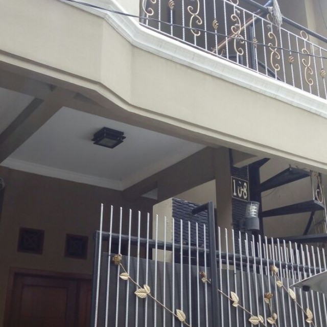 FOR RENT! Rumah 2lt full-furnished