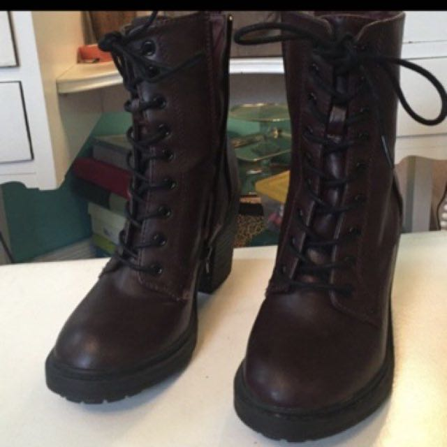 Forever 21 maroon boots original
