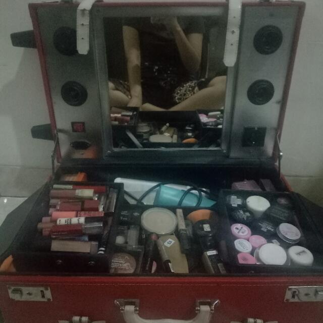 Koper Makeup Beauty Case (Trolley)
