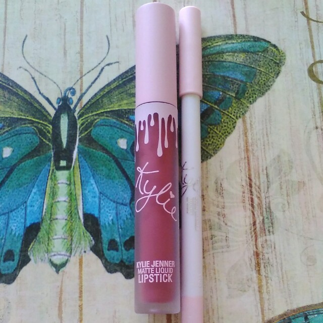 Kylie cosmetics matte lipstick twenty